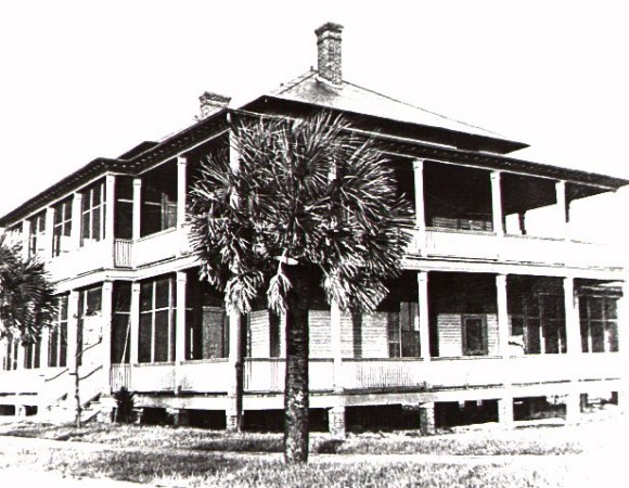 Photo of commanding officer's living quarters.